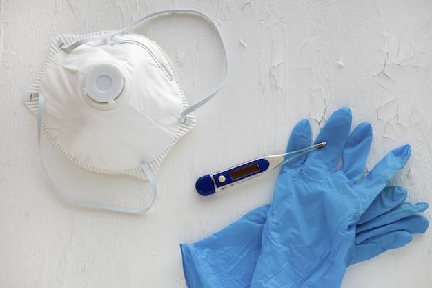 Maschera di protezione antivirus ffp standard per prevenire l'infezione da corona covid e sars