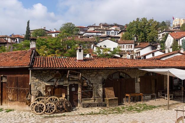 Bazar di antiquariato in strada a safranbolu in turchia