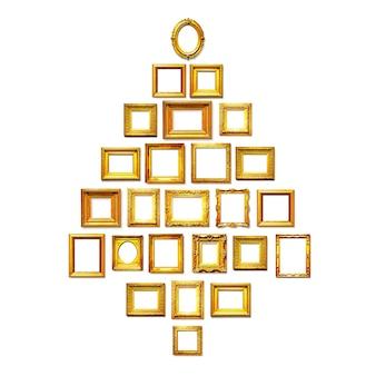 Antiche cornici dorate come albero di natale sfondo di vacanza gruppo di oggetti su sfondo bianco