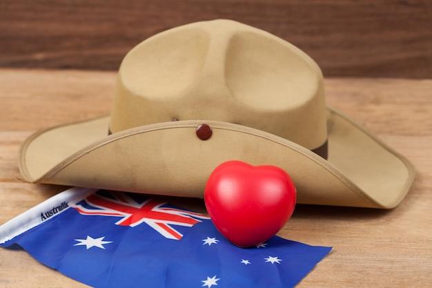 Cappello slouch dell'esercito anzac con bandiera australiana vintage