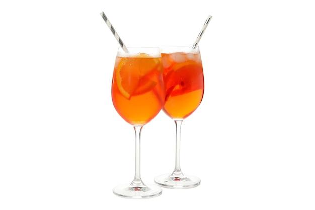 Aperol spritz cocktail isolato