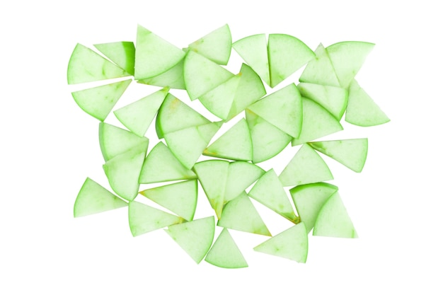 Fetta di mela verde modello pezzo isolato su sfondo bianco
