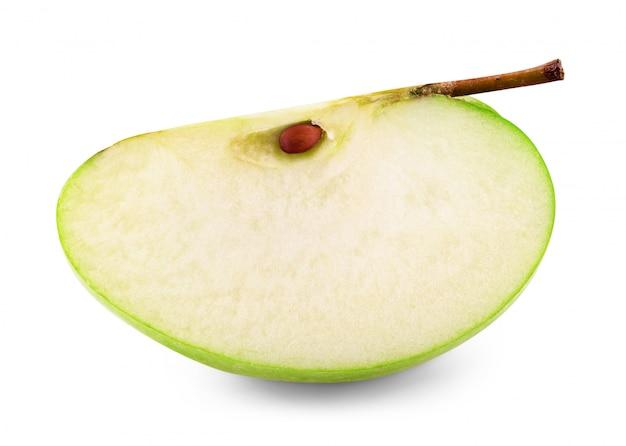 Fetta di mela isolato su sfondo bianco tracciato di ritaglio