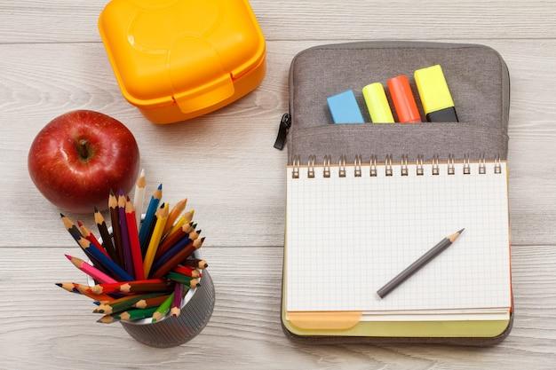 Apple, supporto per matite con matite, scatola sandwich, quaderno su borsa-astuccio con pennarelli