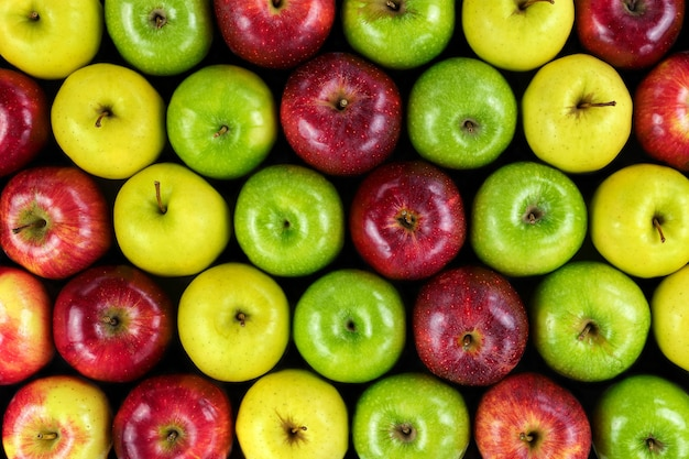 Sfondo di mele di vari colori.