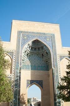 Arch, l'ingresso principale al mausoleo di tamerlano. architettura antica dell'asia centrale