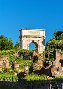 Arco di tito nel foro romano