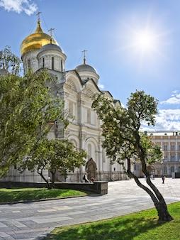 Cattedrale dell'arcangelo al cremlino di mosca