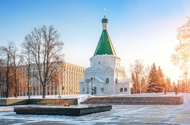 Cattedrale dell'arcangelo a nizhny novgorod in inverno