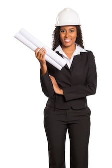 Architetto donna nera con un piano. isolato.