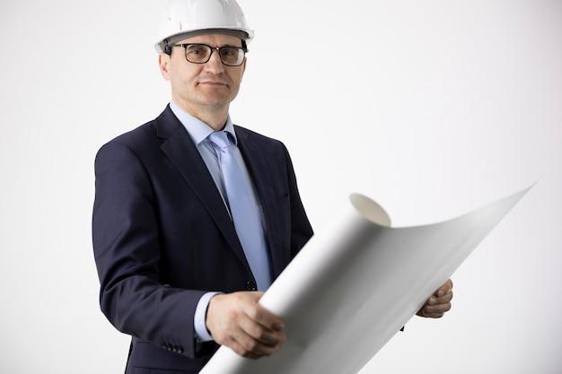 Costruttore dell'architetto nel modello protettivo di piano della disposizione della tenuta del casco