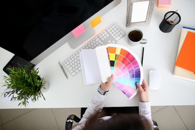 Architetto nell'ambiente di lavoro