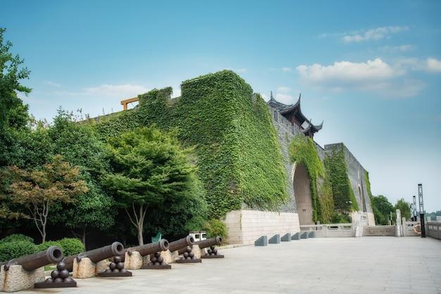 Resti architettonici dei mura di cinta antichi a suzhou, cina