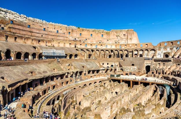 Arena del colosseo o anfiteatro flavio a roma