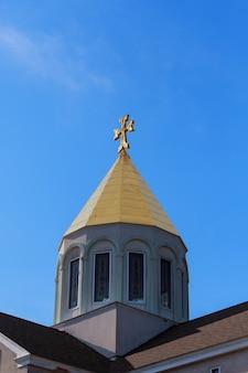 Chiesa armena croce cielo