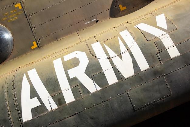 Marcatura dell'esercito sul lato dell'elicottero