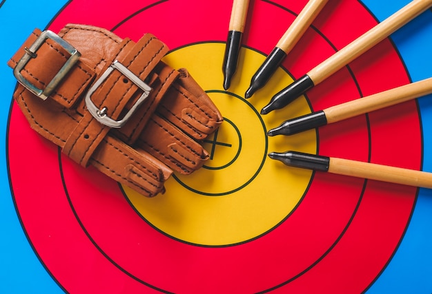 Frecce e dispositivi di protezione per tiro con l'arco sul bersaglio