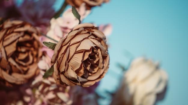 Mazzo di fiori secchi artificiali