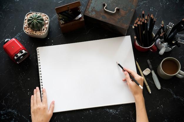 Tabella di marmo nera dell'illustrazione di disegno dell'artista