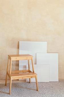 Oggetti di scena dell'artista per la pittura