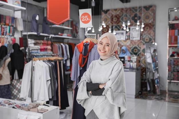 Proprietario del negozio di moda femminile boutique asiatica