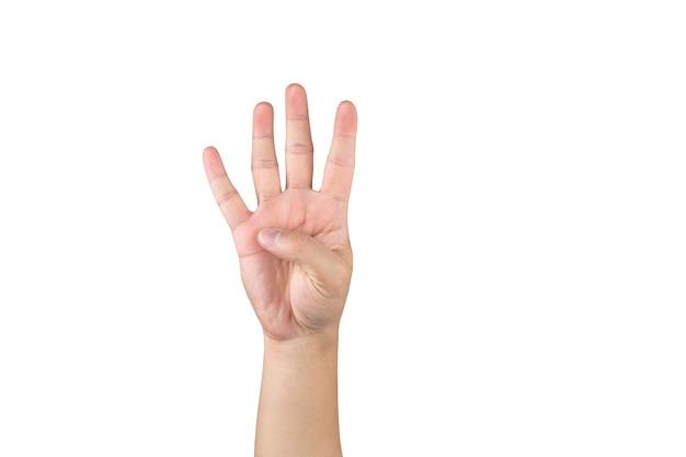 La mano asiatica mostra e conta 4 dita su sfondo bianco isolato con tracciato di ritaglio