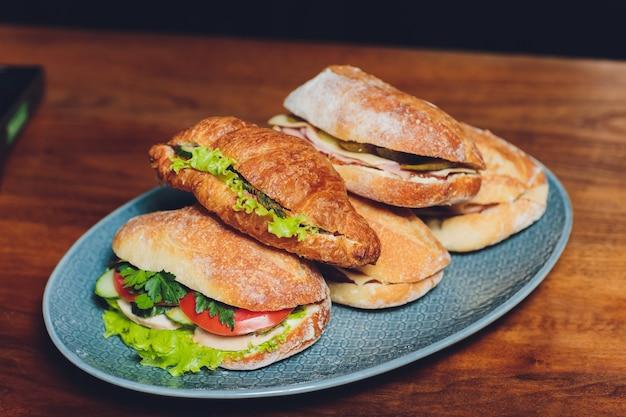 Deliziosi panini baguette assortiti