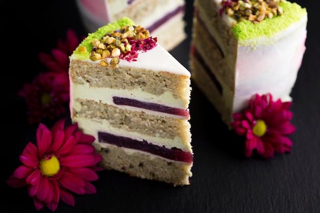 Assortimento con fette di torta