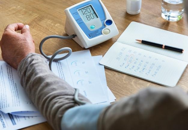 Concetto di rischio di salute di diagnosi dell'assicurazione di assicurazione
