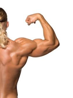 Attraente body builder maschio, isolato su sfondo bianco