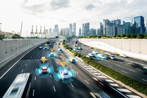 Concetto di sistema di sensori per auto autonomo per la sicurezza del controllo dell'auto in modalità senza conducente