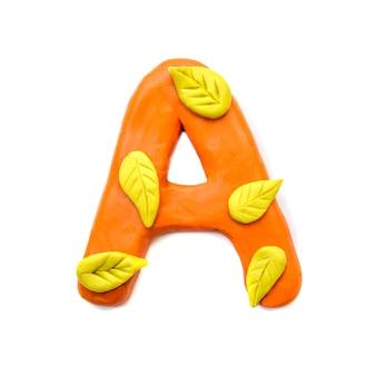 Lettera di plastilina autunno a dell'alfabeto inglese