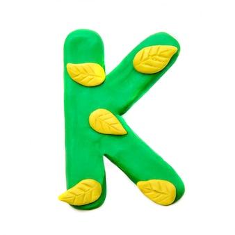 Lettera di plastilina autunno k dell'alfabeto inglese