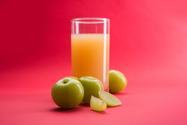 Ayurvedico amla o succo di uva spina indiana, dieta sana