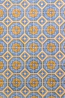Piastrelle azulejo nel muro