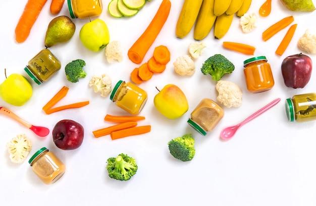 Purea di bambino con frutta e verdura