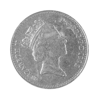 Lato posteriore della moneta da dieci pence della gran bretagna con la faccia di elisabetta isolata su uno sfondo bianco foto