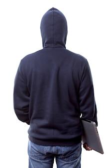 Vista posteriore dell'uomo in felpa con cappuccio con laptop isolato