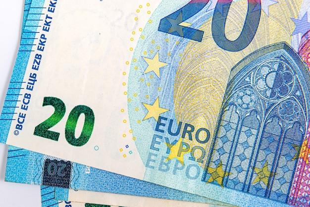Sfondo da 20 banconote in euro, banconota in euro come parte del sistema economico e commerciale, primo piano