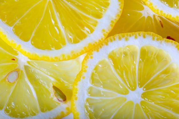 Sfondo realizzato con un mucchio di fette di limone