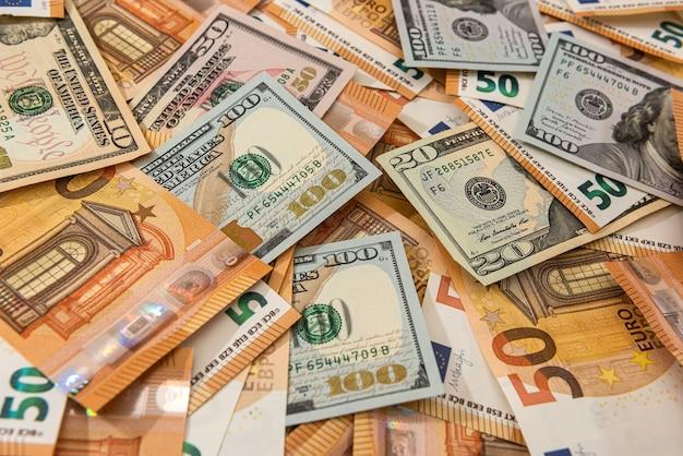 Sfondo delle due valute più grandi del mondo, il dollaro e l'euro