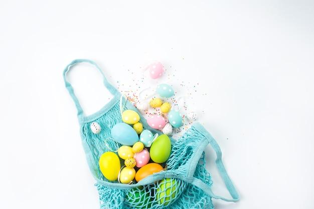 Borsa con uova di pasqua cosparse