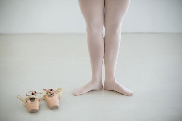 Piedi di ballerine con ballerine