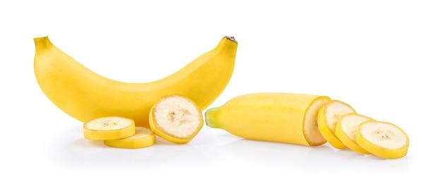Banana isolata sulla superficie bianca
