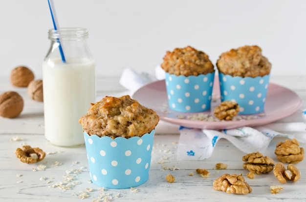 Muffin alla banana con farina d'avena e noci