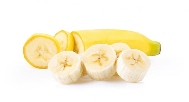 Fetta della banana su fondo bianco