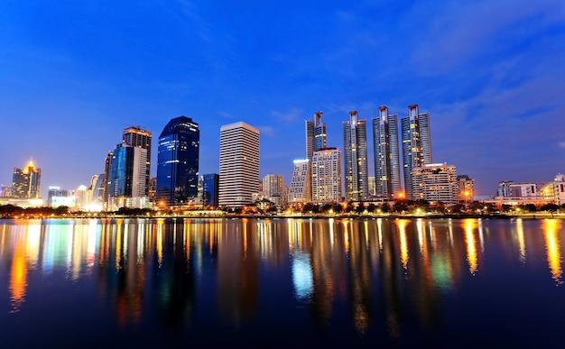 Bangkok, capitale della thailandia al tramonto