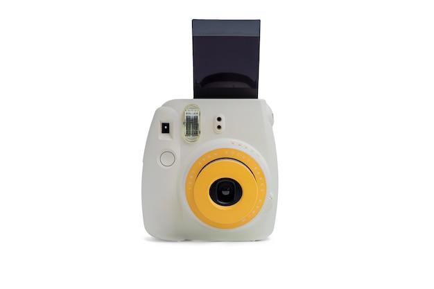 Bangkok, thailandia - 09 luglio 2021: fotocamera polaroid fujifilm instax mini fotocamera istantanea su sfondo bianco.
