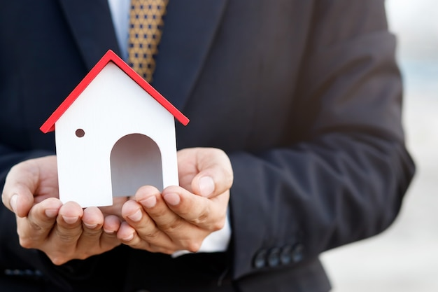 Le banche forniscono mutui per la casa a basso interesse