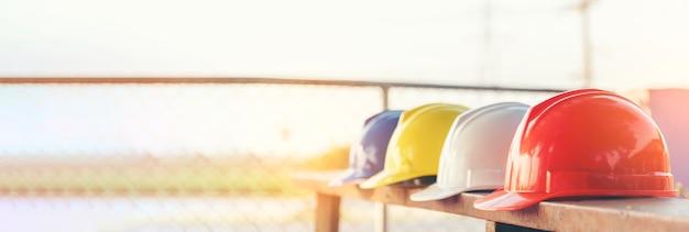 Attrezzature per strumenti di sicurezza per elmetti per la costruzione di banner per i lavoratori in cantiere